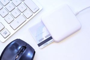 マイナンバーカードが健康保険証として使える?!2021年3月から本格運用を開始予定!